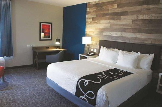Hotel Room Pittsburg Ks