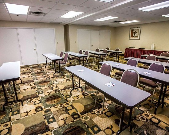 Comfort Suites Oakbrook Terrace: Meeting room with classroom-style setup