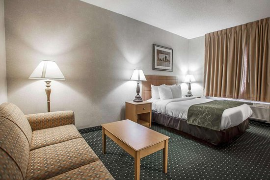 Comfort Suites : Spacious guest room