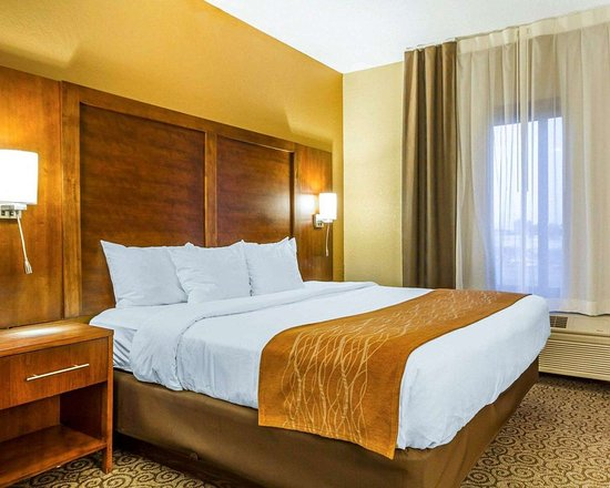 Ramsey, MN: Spacious suite