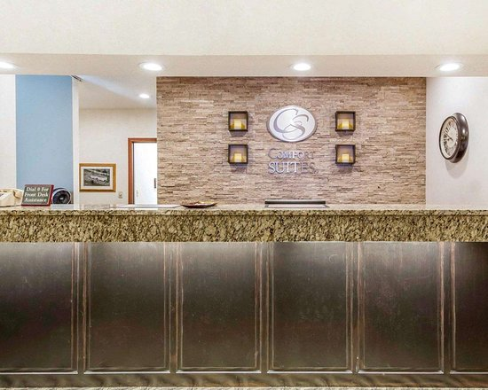 Ramsey, MN: Front desk with friendly staff