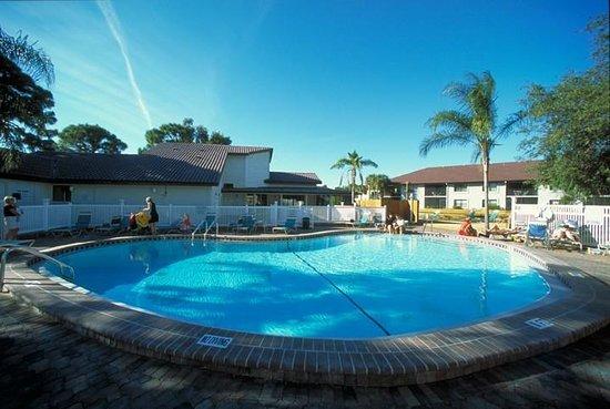 Shorewalk Vacation Villas: Pool view