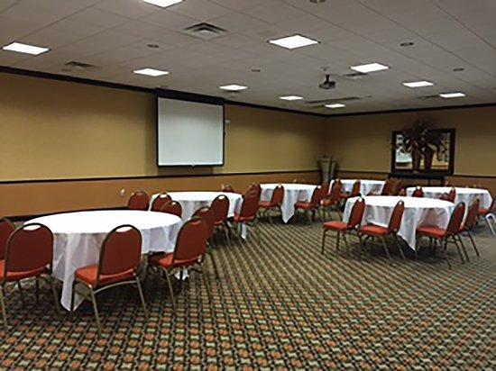 Best Western Plus Burlington: Meeting Room
