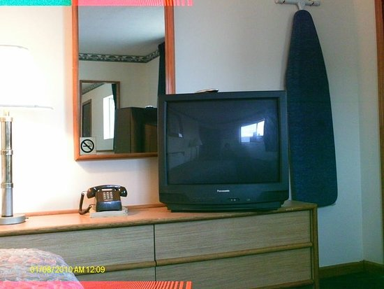Mexico, MO: Guest Room