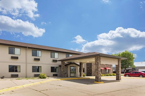 Ortonville, MN: Hotel exterior