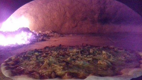 Vito Wood Fired Pizza: Vito Wood Fried Pizza