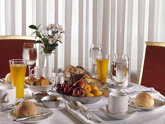 Royal Savoy Hotel : Restaurant