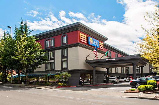 COMFORT INN & SUITES SEA-TAC AIRPORT $117 ($̶1̶5̶7̶