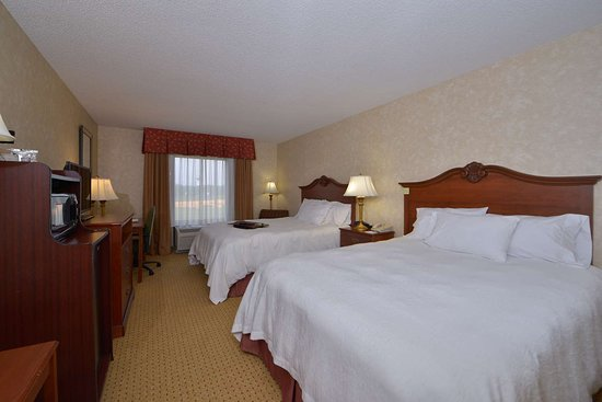 Hampton Inn Wytheville: Guest room