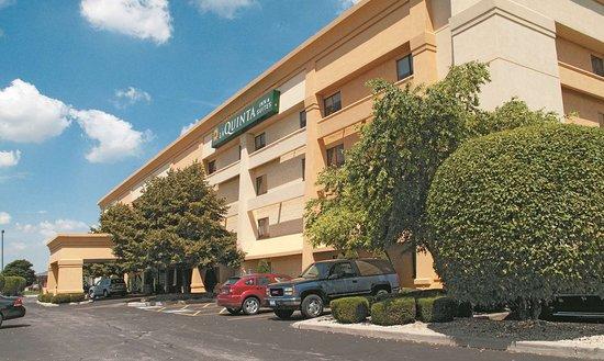 La Quinta Inn & Suites Chicago Tinley Park
