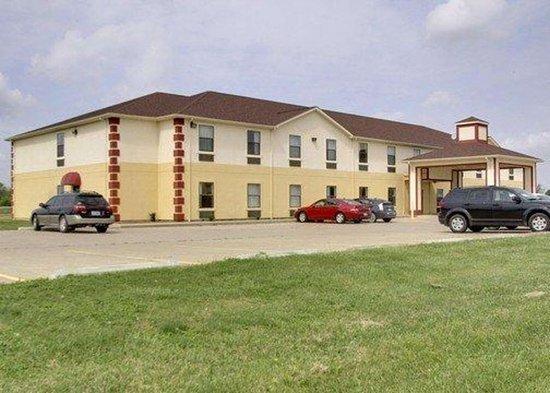 Quality Inn hotel in Harrisburg, IL