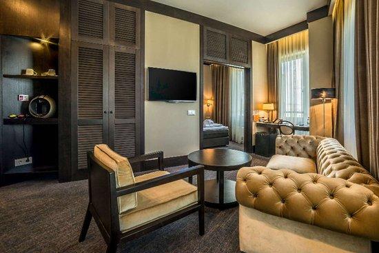 One-bedroom suite - Picture of Comfort Hotel LT Rock\'N\'Roll ...