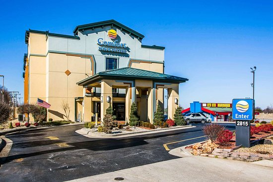 Comfort Inn & Suites Springfield I-44: Hotel exterior