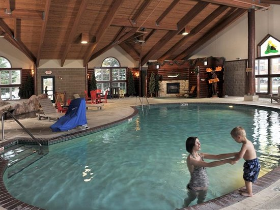 Rothschild, WI: Indoor/Outdoor Pool