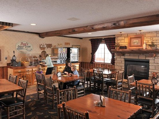 Rothschild, WI: Breakfast Room