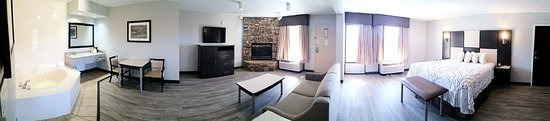 Best Western Cades Cove Inn: King Suite