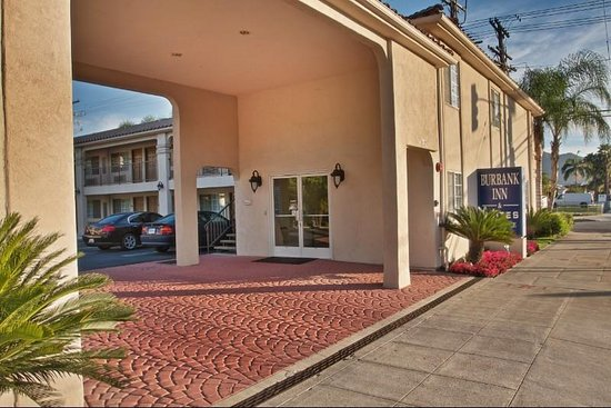 Burbank Inn & Suites: Exterior View