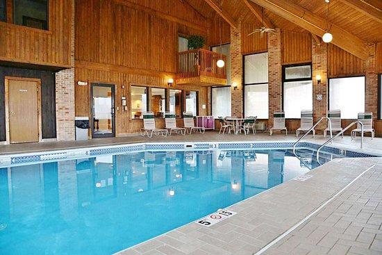 Kenton, OH: Pool