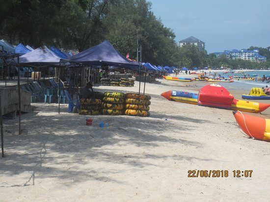 The Grand Beach Resort: Amazing view of the beach front at the PD Walk