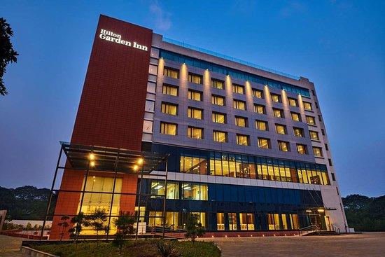 Hilton Garden Inn Lucknow Hotel Reviews Photos Rate Comparison Tripadvisor