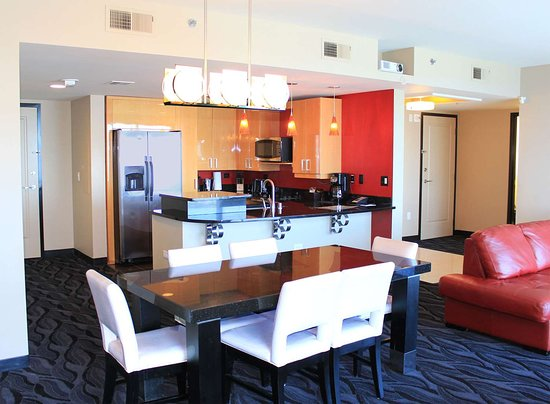 Great Stay Review Of Elara By Hilton Grand Vacations Las Vegas Simple Elara Two Bedroom Suite Minimalist Remodelling