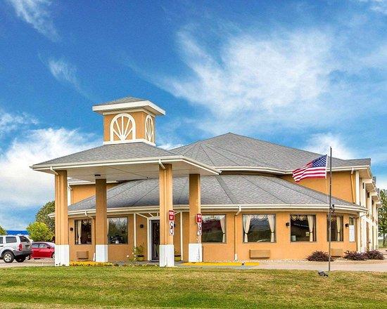 Quality Inn Morton: Hotel exterior