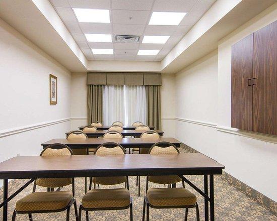 Comfort Inn & Suites Fort Myers: Meeting room