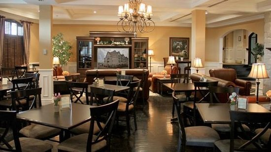 Le St Martin Bromont: Bar Lounge