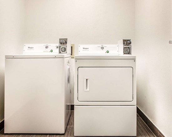 Morton, IL: Guest laundry facilities