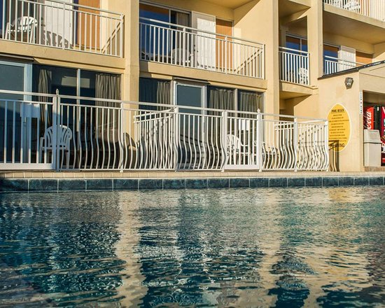 Quality Hotel Clearwater Beach Resort: Outdoor pool