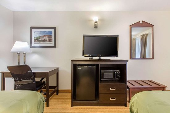 Arab, AL: Guest room with added amenities