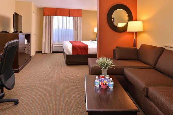 executive king suite with sofa sleeper picture of comfort suites rh tripadvisor ie