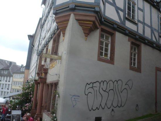 Marburger Haus der Romantik: Das Haus der Romantik - Seitenansicht.