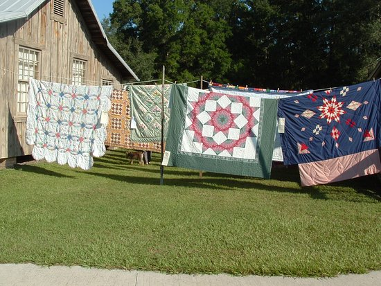 Newberry, FL: Quilt Day at Dudley Farm