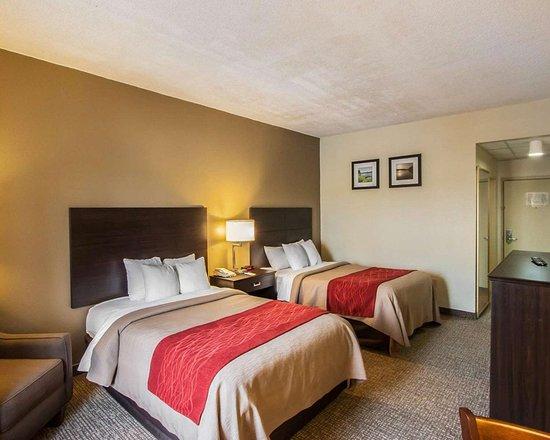 Hayti, Missouri: Guest room with sitting area