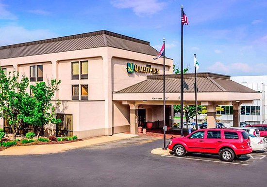 Quality Inn hotel in Florissant, MO