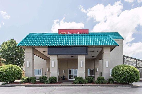 Econo Lodge Inn & Suites Joplin: Exterior