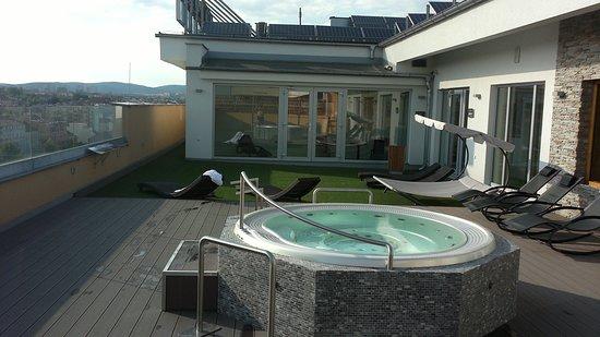 Avanti Hotel: Wellness v 8.patře na střeše hotelu