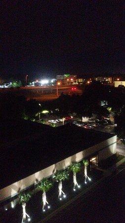 Hilton Ocala: night view