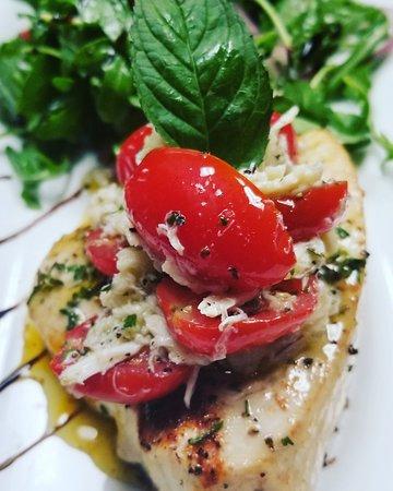 Lawrenceville, Nueva Jersey: Pesce Spada con menta bruschetta