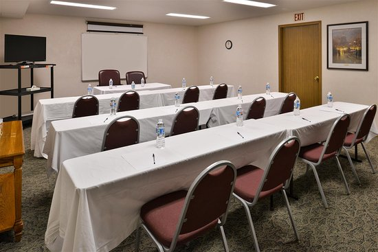Knob Noster, MO: Meeting Room