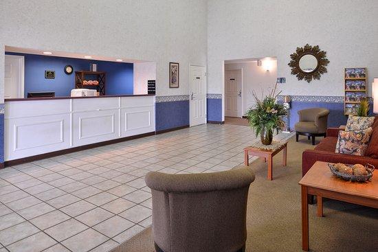 Smackover, AR: Lobby