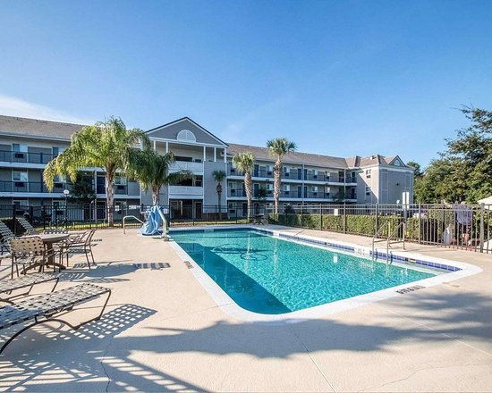Hometowne Studios Orlando South Suburban Extended Stay Hotels In Fl