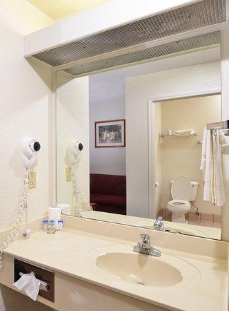 Smackover, AR: Guest Vanity