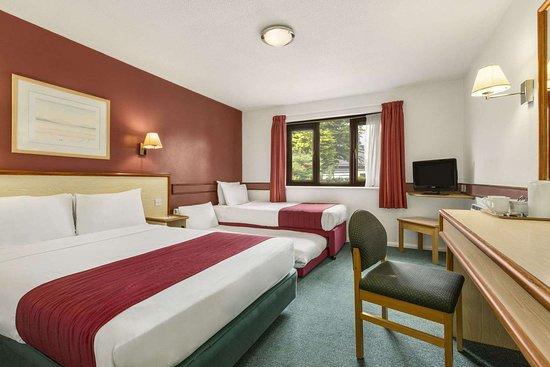 Easton-in-Gordano, UK: 2 Twin Bed Family Room