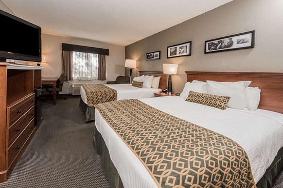 Baymont by Wyndham Lancaster: 2 Queen Bed Room