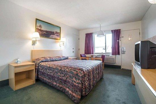 Boardman, OR: Spacious guest room