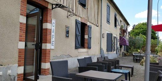 Castelnau-Magnoac, Frankreich: TA_IMG_20180622_163147_large.jpg