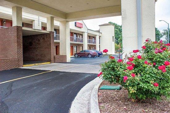 إيكونو لودج هندرسون: Hotel entrance