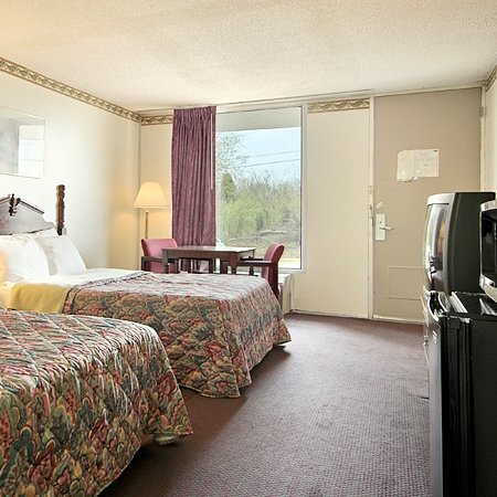 Alcoa, TN: Standard Room with Two Double Beds
